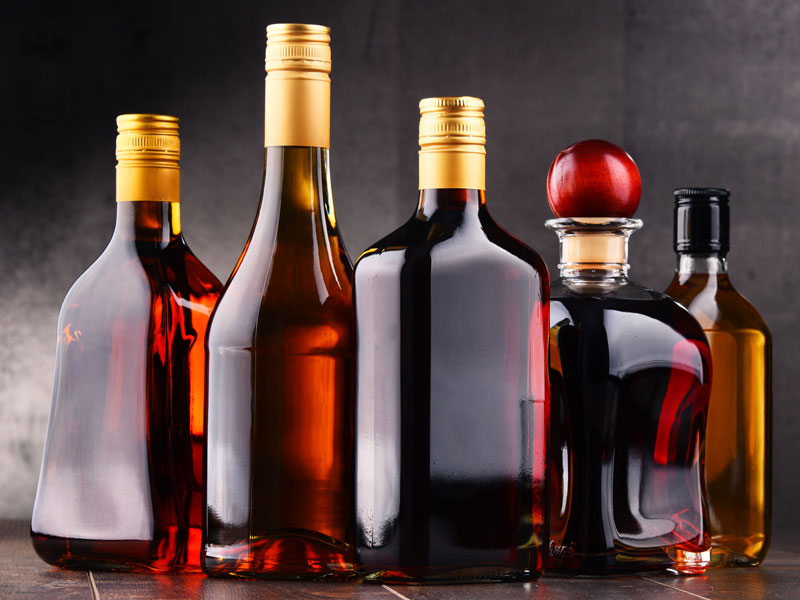 personalizzazione_bottiglia-distilleria_deta