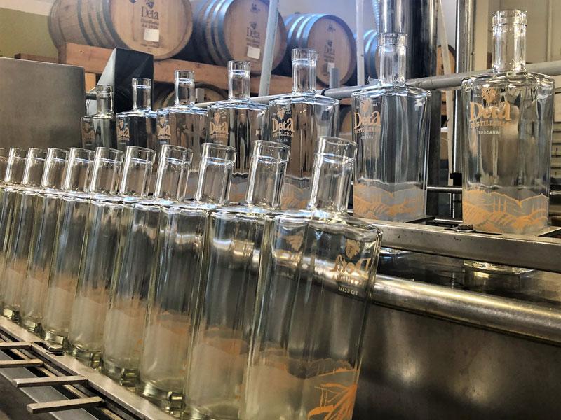 liquorificio-3-catena-di-imbottigliamento